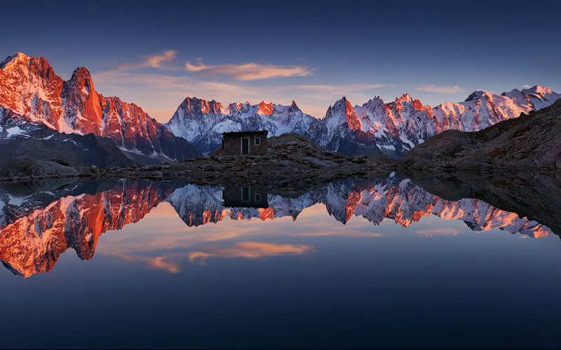 SUNRISE OVER THE LAC BLANC